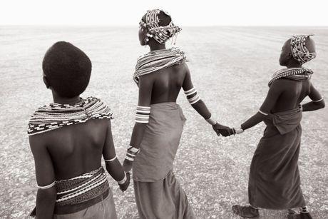 Desert-Song-Compositions-of-Kenya-Drew-Doggett-Young-Goddesses-of-Kargi.jpg
